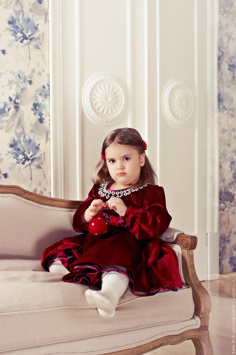Семейная фотосессия в студии. Студийная фотосессия. Новогодняя фотосессия. Детская фотосессия. Фотограф Катрин Белоцерковская.