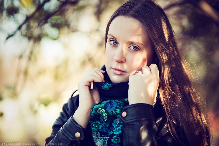 Осенний портрет. Фотосессия в парке. Фотограф Катрин Белоцерковская.