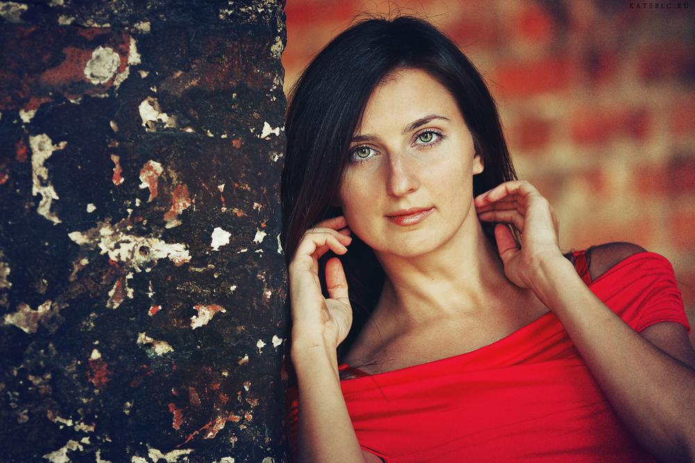 Индивидуальная съемка. Девушка. Портрет. Фотограф: © Катрин Бeлоцерковская, 2013. https://kateblc.ru
