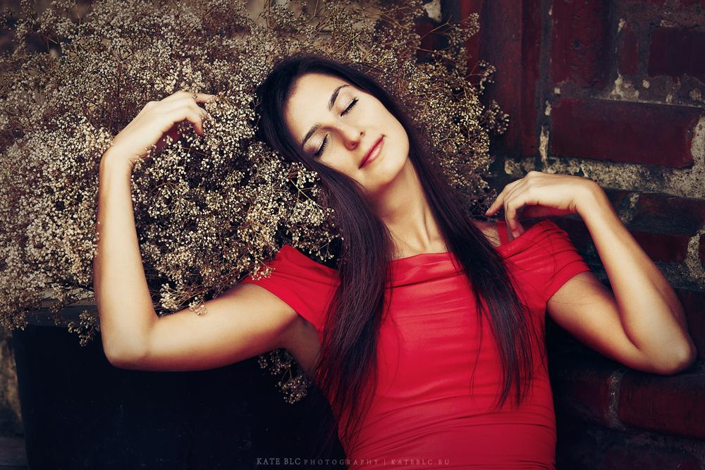 Сон. Девушка. Осень. Фотография с душой. Фотограф: © Катрин Бeлоцерковская, 2013. https://kateblc.ru