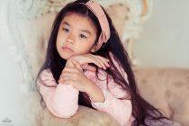девочка в розовом. фотосессия в студии