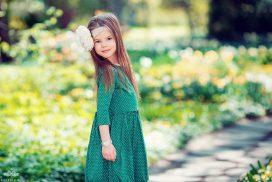 детская фотосессия в парке. на природе. майские фотосессии. Весна. девочка. дети. фотограф
