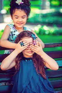 Фотосессия для девочки с цветами