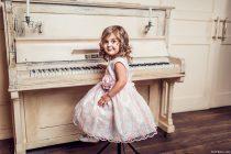 Девочки за пианино