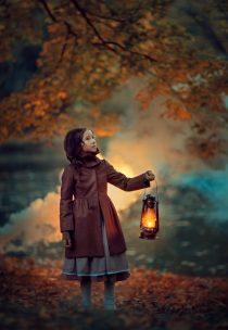 Осенняя фотосессия с керосиновой лампой