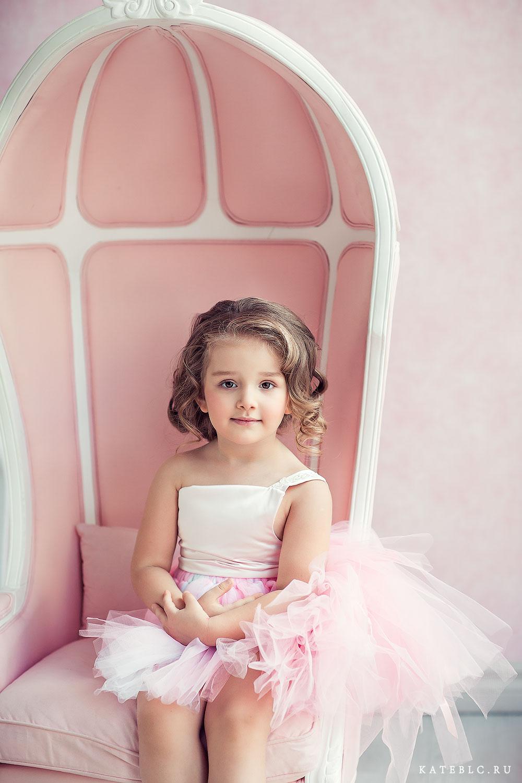 Фотосессия для маленькой принцессы в студии