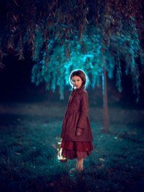 Вечерняя фотосессия для девочки в парке