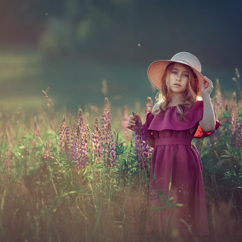 фотосессия в люпинах, детский фотограф в Москве