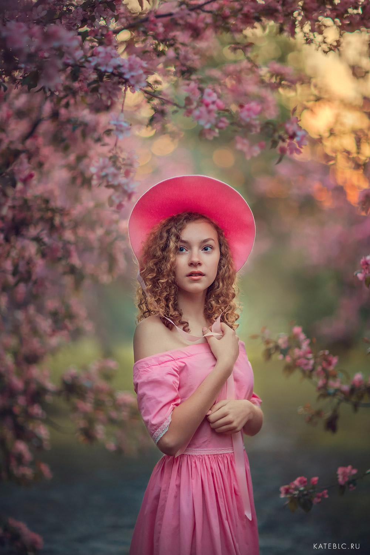 Розовая фотосессия в коломенском