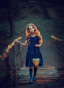 Волшебная необычная портретная фотосессия для девушки в парке