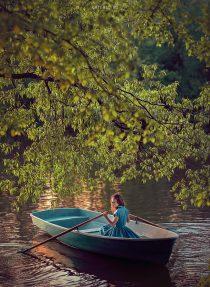 Фотосессия в лодке для девушки Москва