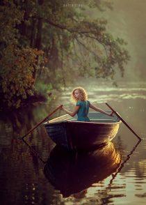 Фотсоессия в лодке для девочки 14 лет