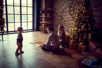 семейная фотосессия на новый год дома