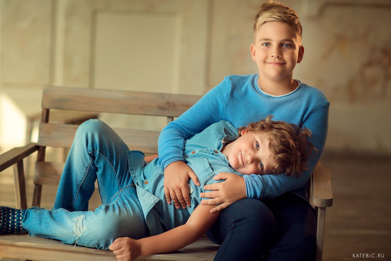 фотосессия для мальчиков в фотостудии. детский фотограф в москве