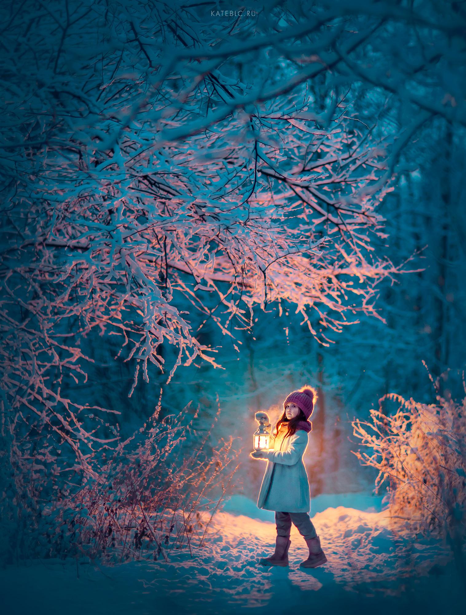 Зимняя волшебная фотосессия для девочки в парке